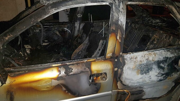 masina incendiata Timisoara