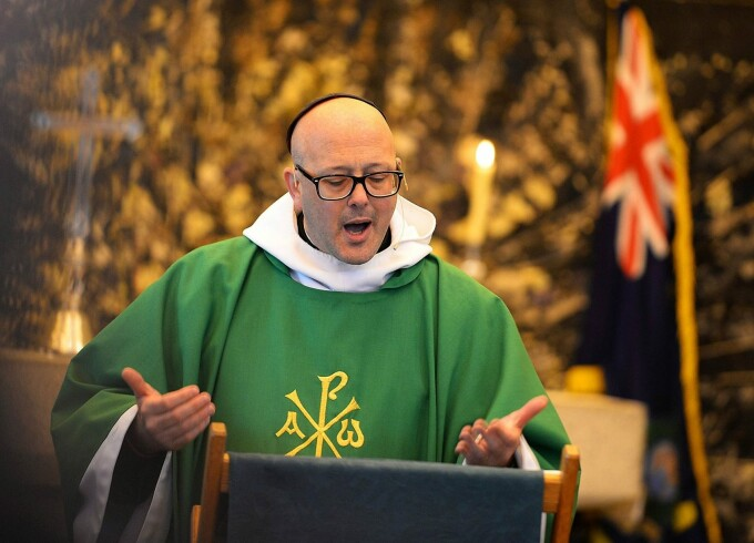 preot anglican