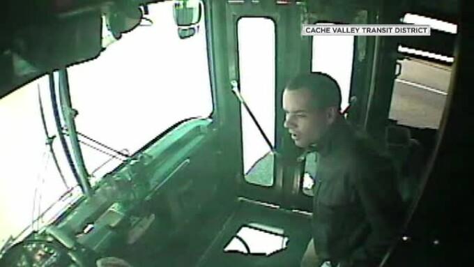 Şoferul unui autobuz din SUA a leşinat la volan. Cum a salvat un pasager situaţia