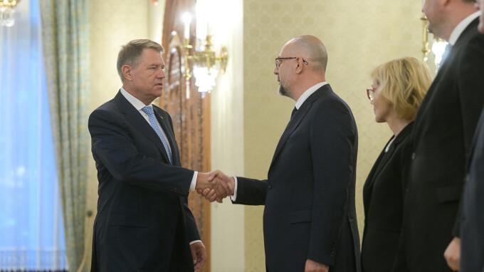 Klaus Iohannis, Kelemen Hunor