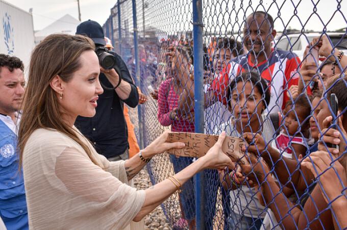 Reacția Angelinei Jolie, într-o tabară de refugiați venezueleni în Columbia