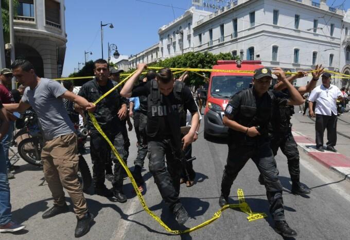 atac sinucigas in Tunisia