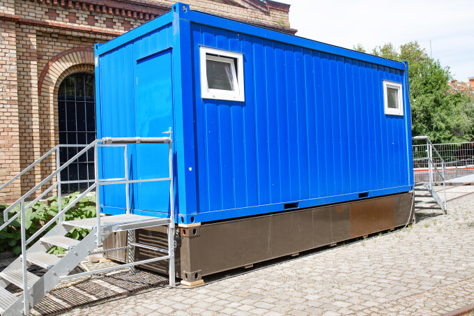 birouri in containere