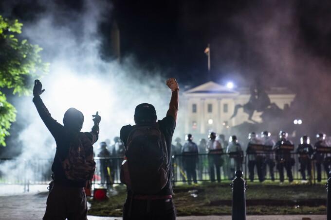 Proteste de amploare în SUA după moartea lui George Floyd
