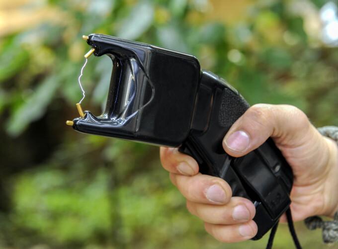 pistol electrosocuri