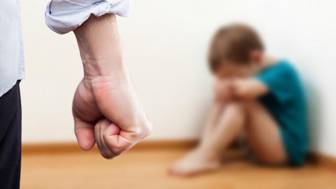copil abuz violenta