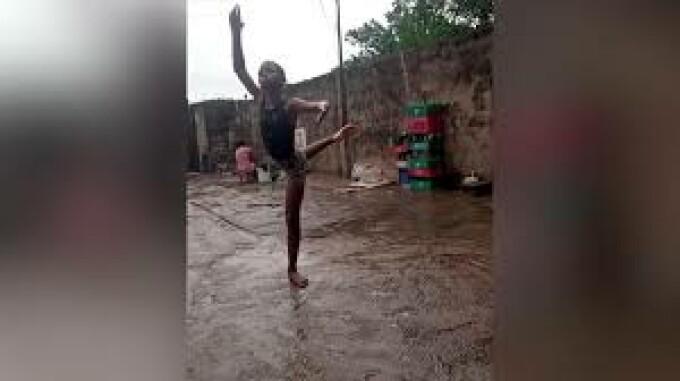 nigeria copil balerin
