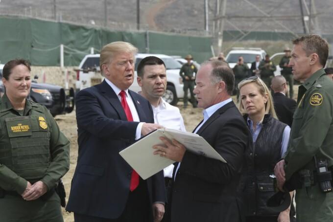 """Donald Trump e mândru de zidul său: """"A oprit Covidul, a oprit totul"""""""