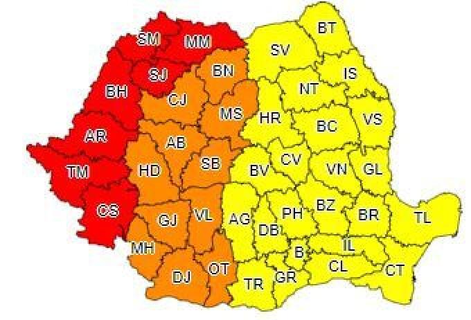 Coduri galbene, portocalii și roșii în toată țara. Furtuni, caniculă și disconfort termic accentuat