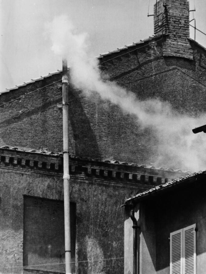 cos, iese fum alb la Vatican