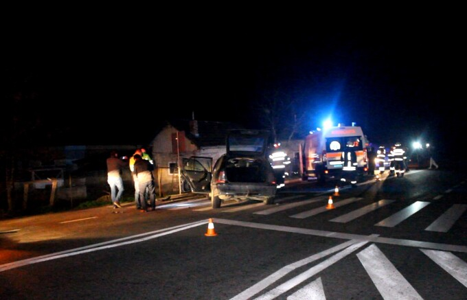 Accident grav petrecut aseara in judetul Cluj. Trei copii au fost raniti