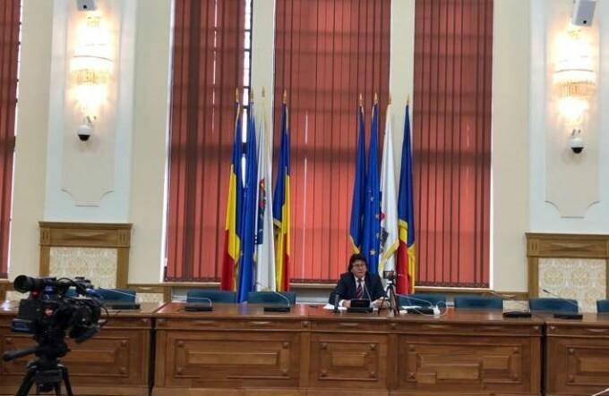 Nicolae Robu, singur la conferinta de presa