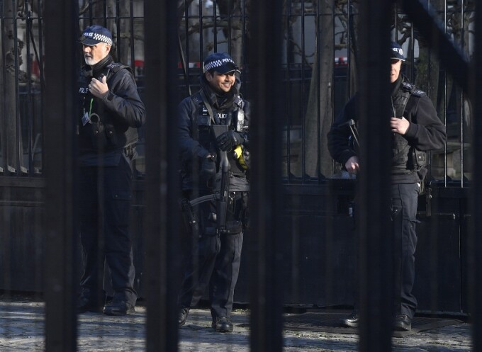 politisti inarmati in Londra