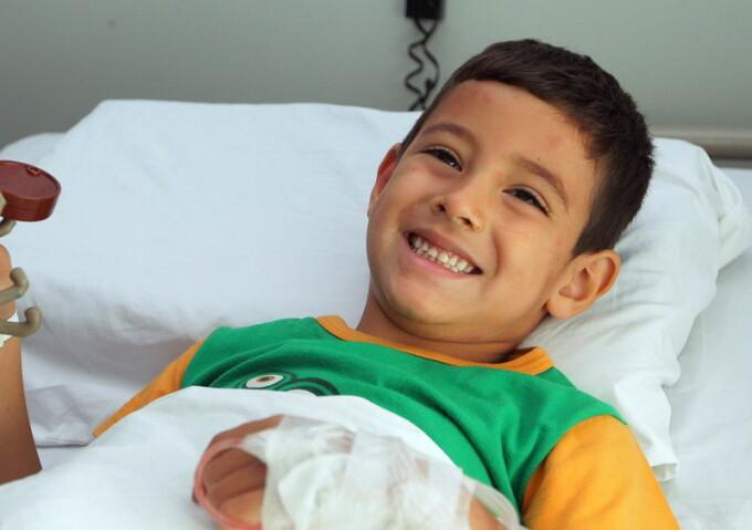 Un baietel de 5 ani, Benjamin, a supraviețuit 24 de ore într-un deșert