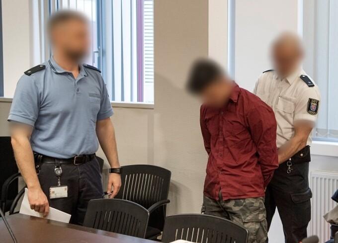 Motivul pentru care un imigrant rămâne nepedepsit, deși a violat o fetiță - 3