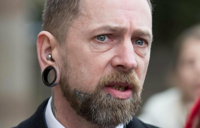 Dr.Evil, tatuatorul care si-a desfigurat clientii - 3