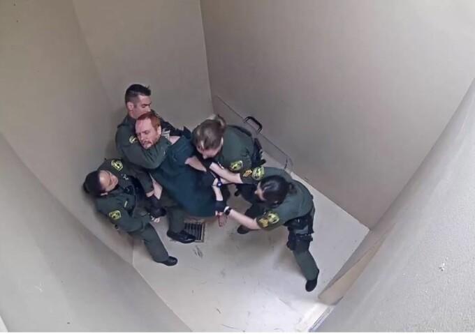 Deținut, bătut și electrocutat într-o închisoare din SUA