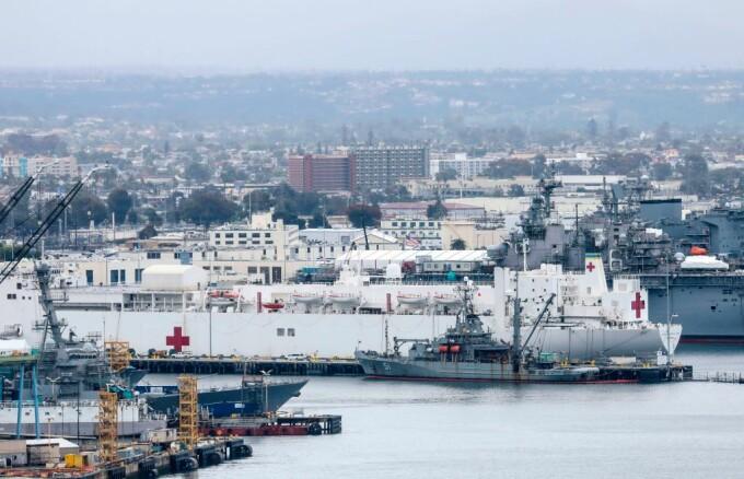 Marina Americană trimite spitale plutitoare ca să ajute bolnavii de Covid-19 din New York