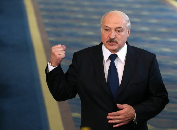 """Campionatul de fotbal din Belarus sfidează pandemia și a început o nouă ediție. Sfatul lui Lukașenko: """"Beți multă vodcă!"""""""