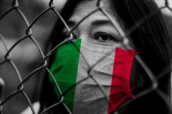Numărul deceselor în Italia crește implacabil. Bisericile au devenit camere mortuare