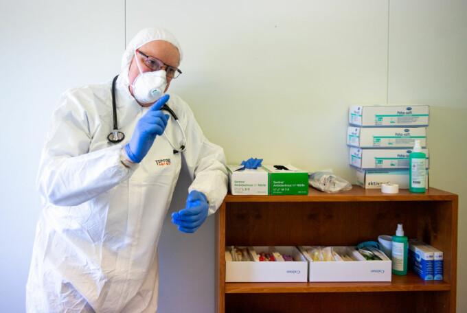 CNAS: Medicii curanţi vor decide cazurile pentru care se continuă tratamentele şi investigaţiile