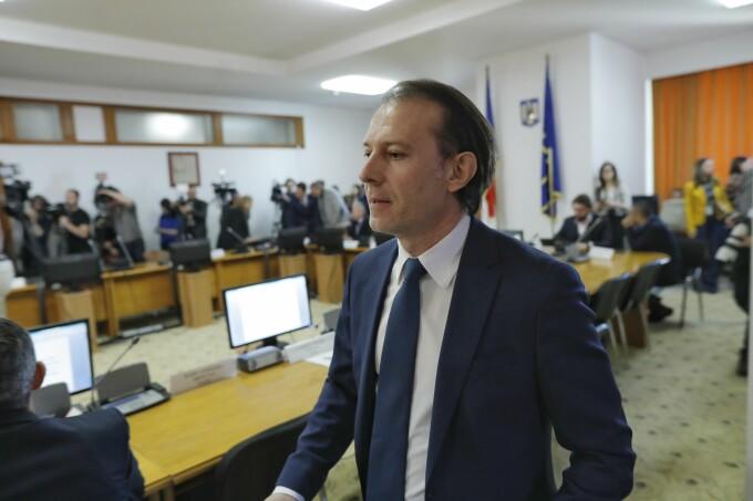 Florin Cîţu, pentru românii care amână plata ratelor: Să înţeleagă că nu înseamnă iertare, trebuie să fie cumpătaţi