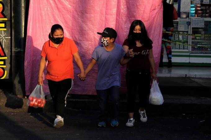 Orașe întregi din Mexic refuză vaccinarea împotriva Covid-19