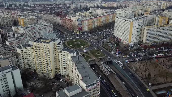 Cum vor autoritățile să evite carantinarea Bucureștiului. Mai multe controale, baruri închise și limitarea aglomerărilor