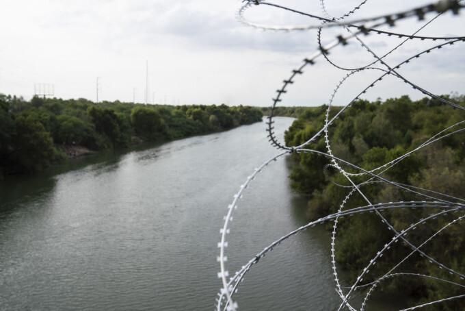 Un copil a murit în timp ce încerca să traverseze Rio Grande ca să ajungă în SUA