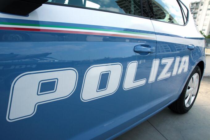 Un șofer de TIR italian și-a ucis accidental colegul român, trecând cu camionul peste el