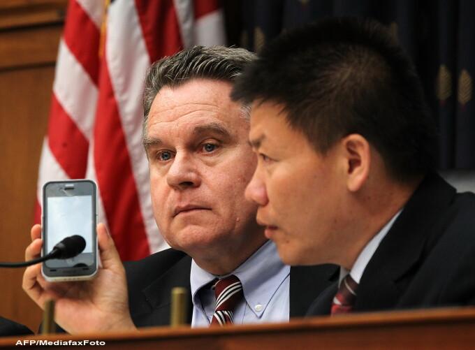 Congresmenul Chris Smith (stanga) si Bob Fu (disident si presedinte al organizatiei ChinaAid)
