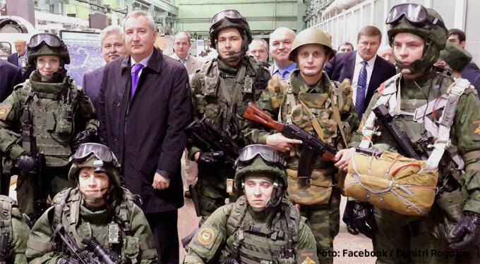 Dimitri Rogozin inconjurat de soldati