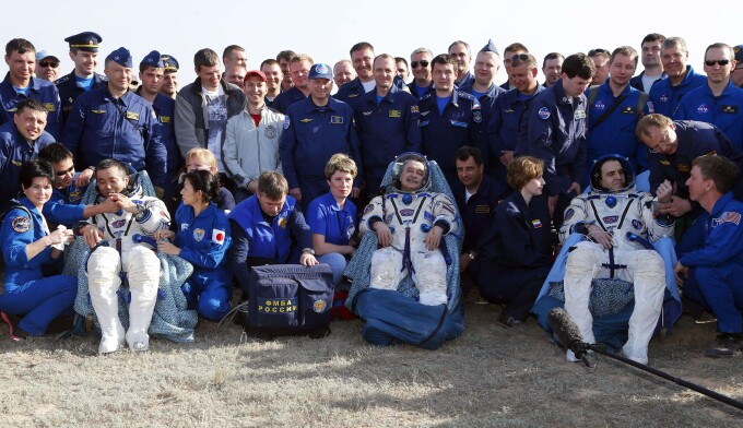 Astronautii Mihail Tyurin, din Rusia, Rick Mastracchio din Statele Unite si Koichi Wakata, din Japonia
