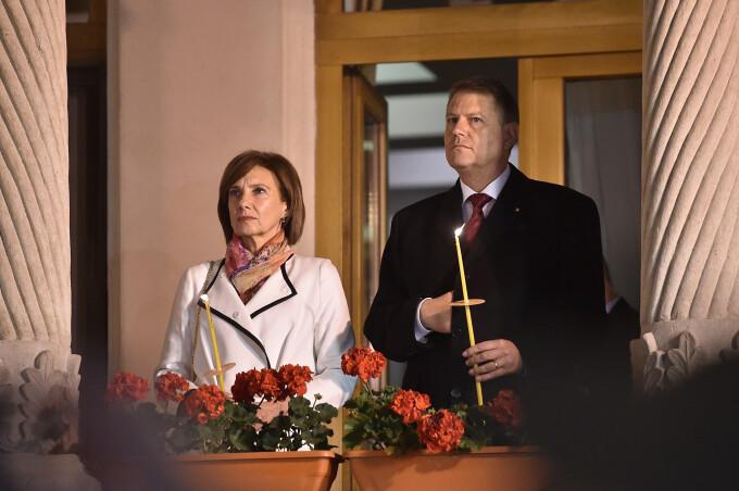 Zeci de mii de oameni au participat la slujbele de Inviere din toata tara.  Mesajul de Paste al lui Klaus Iohannis: FOTO - Stirileprotv.ro