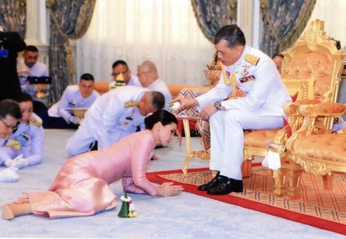 Noua regină a Thailandei - 2