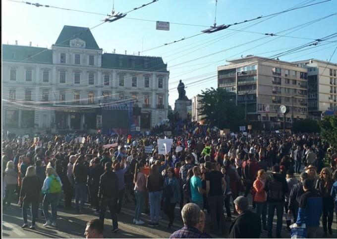 """Piața Unirii din Iaşi, """"invadată"""" după mitingul PSD"""