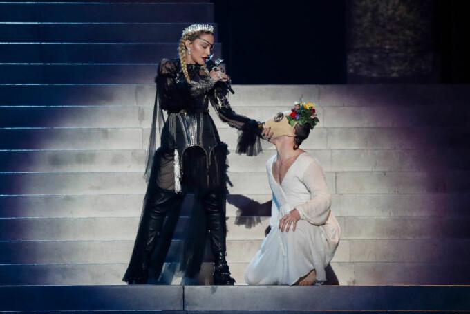 Madonna, moment controversat la Eurovision - 6