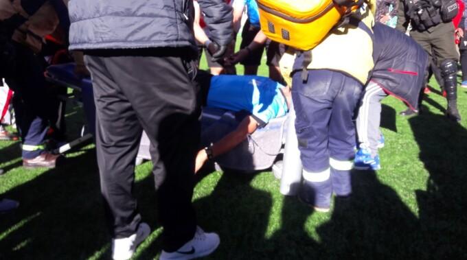 Un arbitru a suferit un infarct în timpul unui meci. A murit când a ajuns la spital