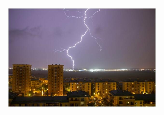 Fulgere București - 8