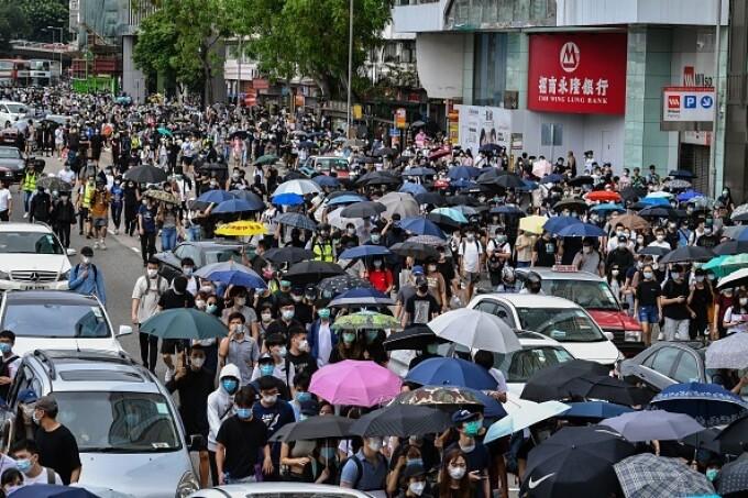 Proteste în Hong Kong din cauza legii securităţii naţionale. Poliţia a intervenit cu gaze lacrimogene. GALERIE FOTO - 2