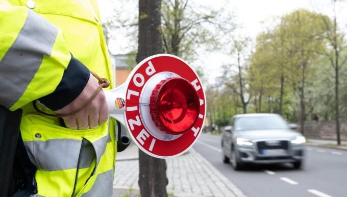 O bătrână din Germania a condus fără permis în ultimii 20 de ani. Cum a fost prinsă de autorități