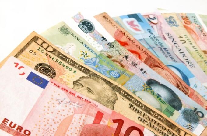 Cum si-au castigat primii bani 5 dintre cei mai bogati oameni din lume
