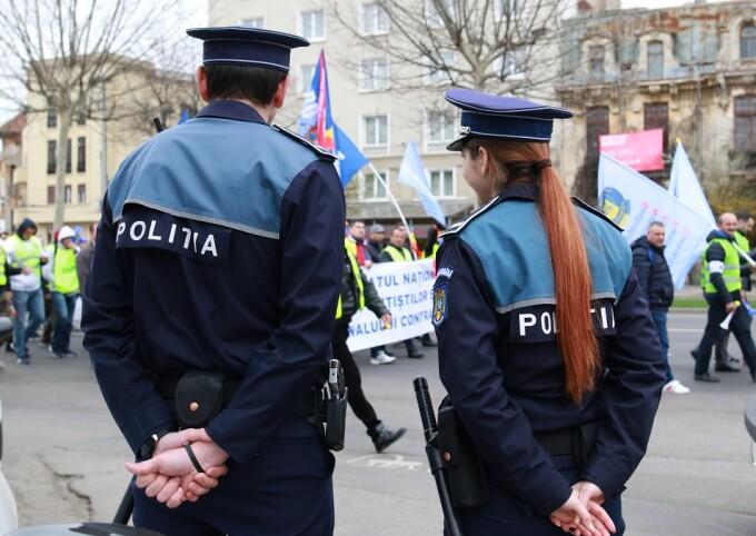 Poliţiştii protestează nemulţumiţi de salarii şi de modul în care sunt calculate sporurile, in Bucuresti, Romania,