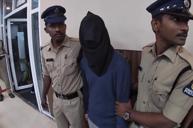 Romani arestați în India pentru terorism cibernetic