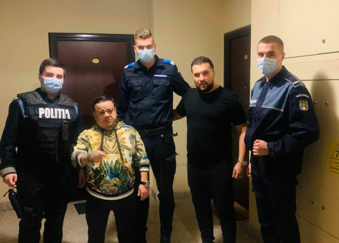 Adrian Minune si Tzanca Uraganu, alaturi de politisti