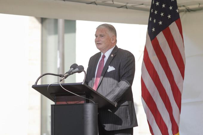 Testul ambasadorului SUA este negativ. Adrian Zuckerman se întâlnise cu ministrul Lucian Bode, infectat cu Covid-19