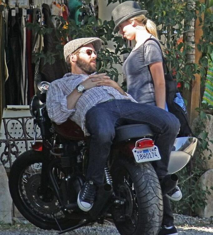 Scarlett Johansson si Ryan Reynolds