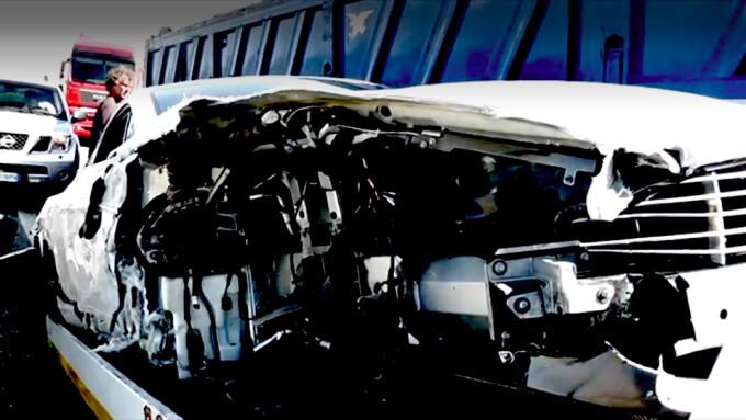 Aston Martin facut praf
