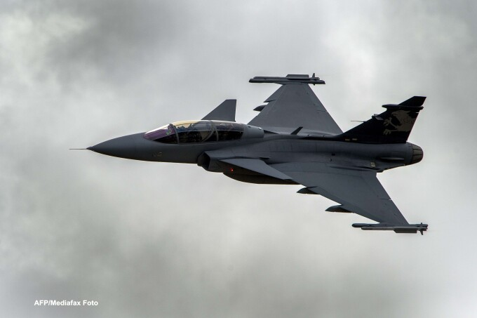 Avion de lupta