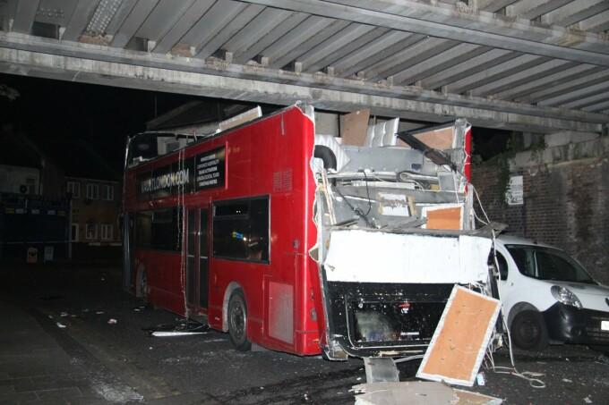accident autobuz Londra